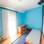 hit booker offers antonio apartment for rent in mostar with three bedrooms with single beds