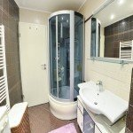 hit-booker-luxury-apartment-mostar-bedroom-bathroom-shower