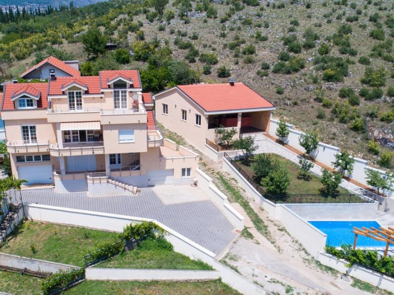 Hit Booker Mostar | Luxury Villas | Holiday Homes | Apartments | Rooms | Tours 152712158 Discover Mostar Luxury Villas