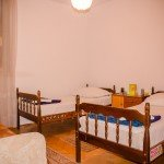 HIT-BOOKER-DUPLEX-APARTMENT-MOSTAR-BEDROOM-WITH-SINGLE-BEDS