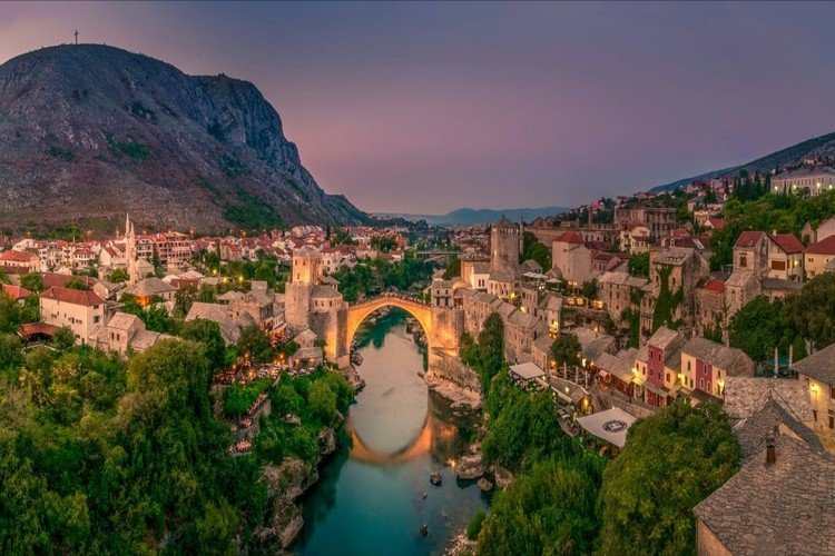 Mostar-Old-Bridge-Hit-Booker