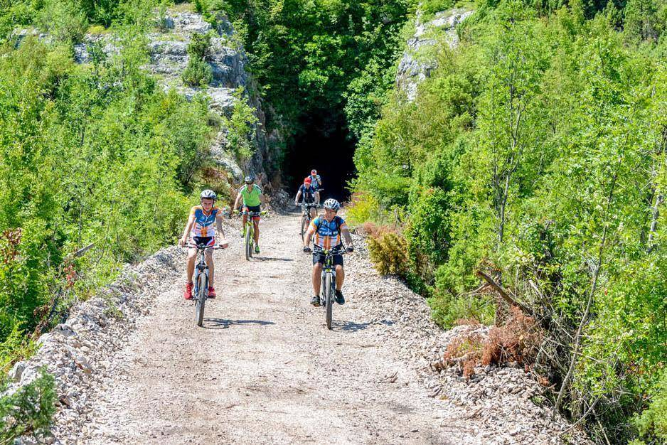 Hit Booker Mostar | Luxury Villas | Holiday Homes | Apartments | Rooms | Tours irina-pruga-bicikla Ćiro's Railway  The Ultimate Biking Experience