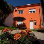 hit-booker-mostar-villa-secret-gardens-outside-house