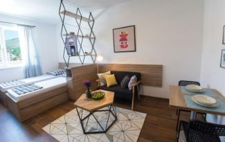 Hit Booker Mostar studio apartment Woody Moody living space - feature
