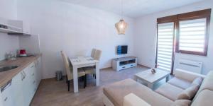 Apartment Cactus Living room