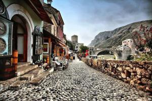 Hit Booker Mostar | Luxury Villas | Holiday Homes | Apartments | Rooms | Tours mostar-2-300x200 Top 5 reasons why you should visit Herzegovina