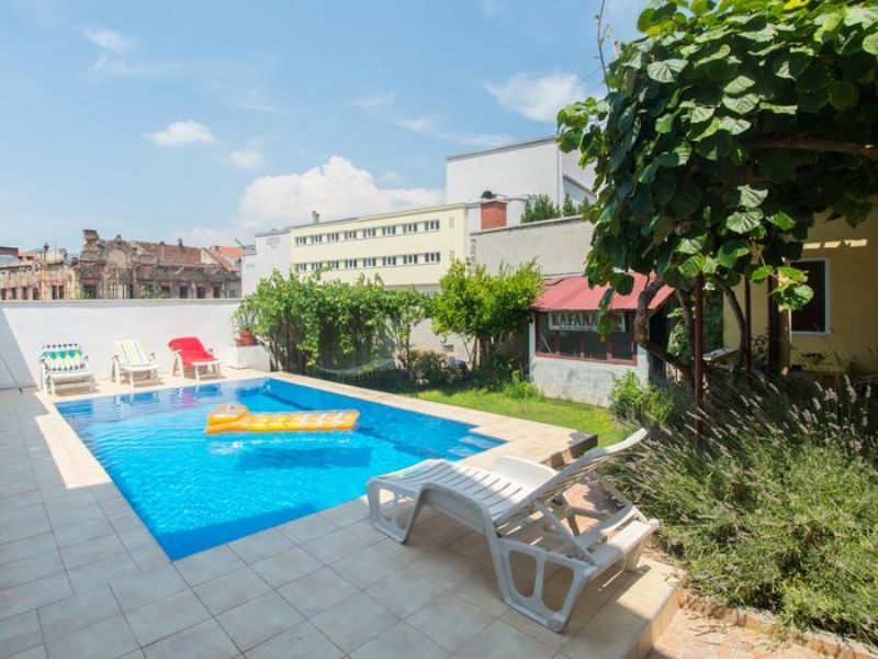 Hit-Booker Mostar apartment with the swimming-pool located in the vicinity of the Old Town Garden with pool 3