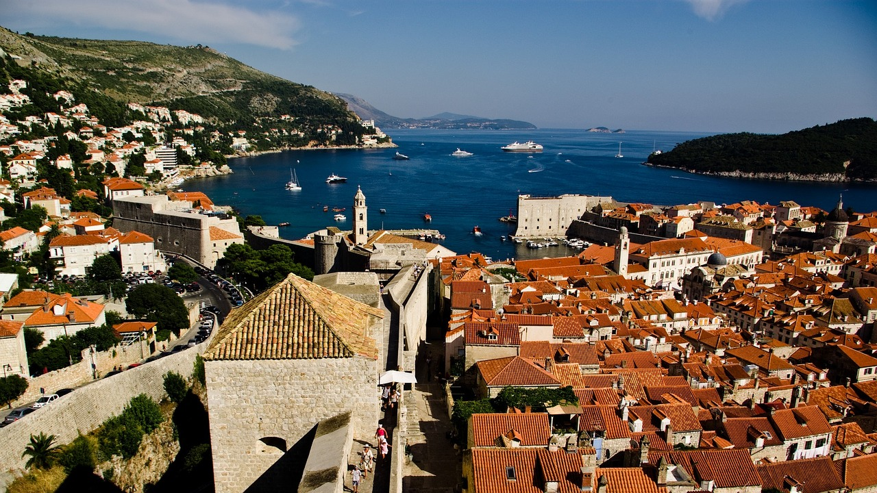 take-a-walk-at-dubrovnik-city-wals