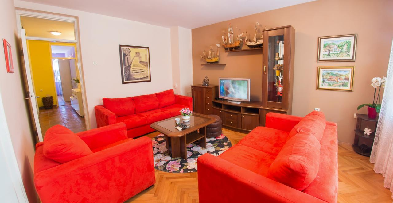 Apartment Hemingway Mostar Living Room