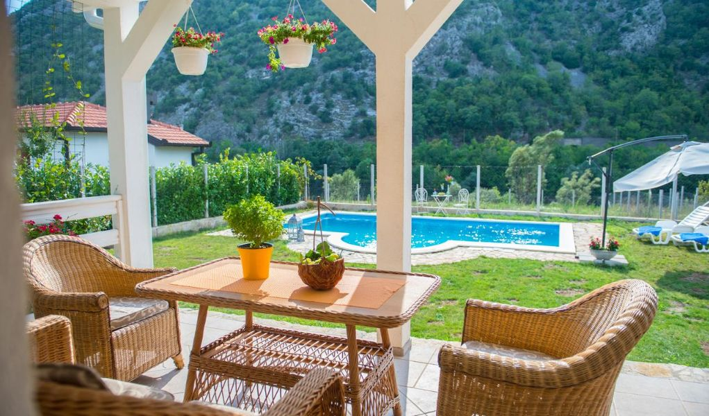 Hit Booker Mostar | Luxury Villas | Holiday Homes | Apartments | Rooms | Tours 158064207-1 The Best Apartments in Mostar