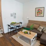 Green Leaf Studio Apartment Mostar Dining and sitting area