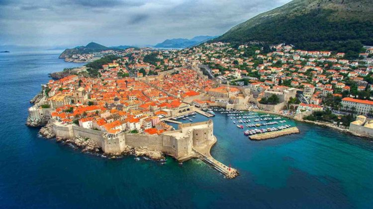 Hit Booker Mostar | Luxury Villas | Holiday Homes | Apartments | Rooms | Tours Hit-Booker-tour Mostar full day tour: Experience local life from Dubrovnik