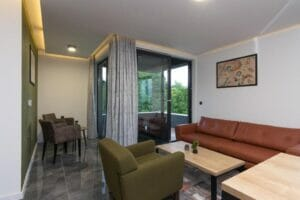 Hit Booker Mostar   Luxury Villas   Holiday Homes   Apartments   Rooms   Tours 303204769-300x200 Deluxe Belvedere Apartments
